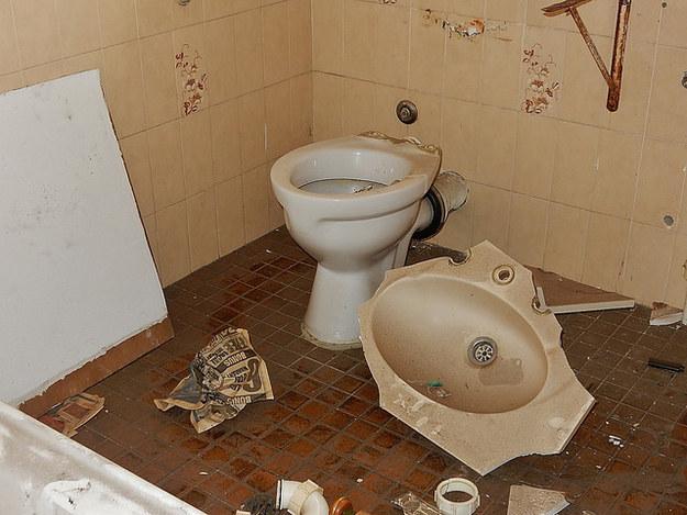 broken-messy-bathroom